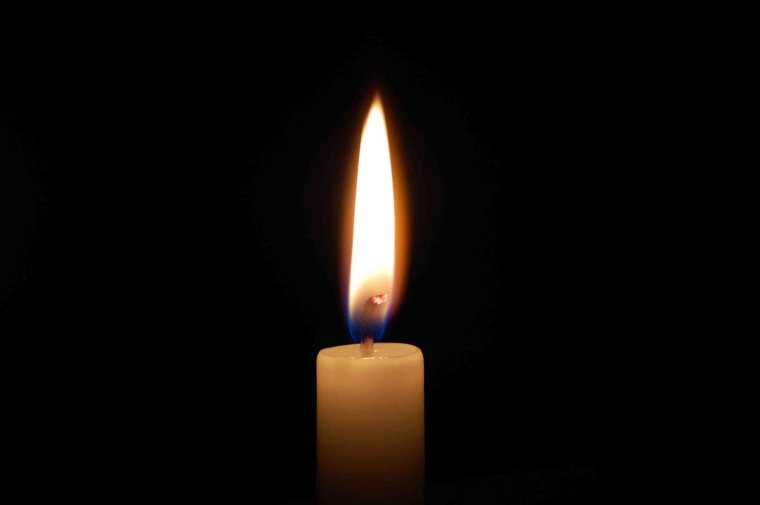 candle-in-the-dark