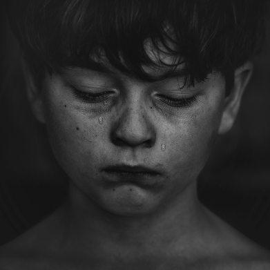 alone-black-and-white-boy-551590